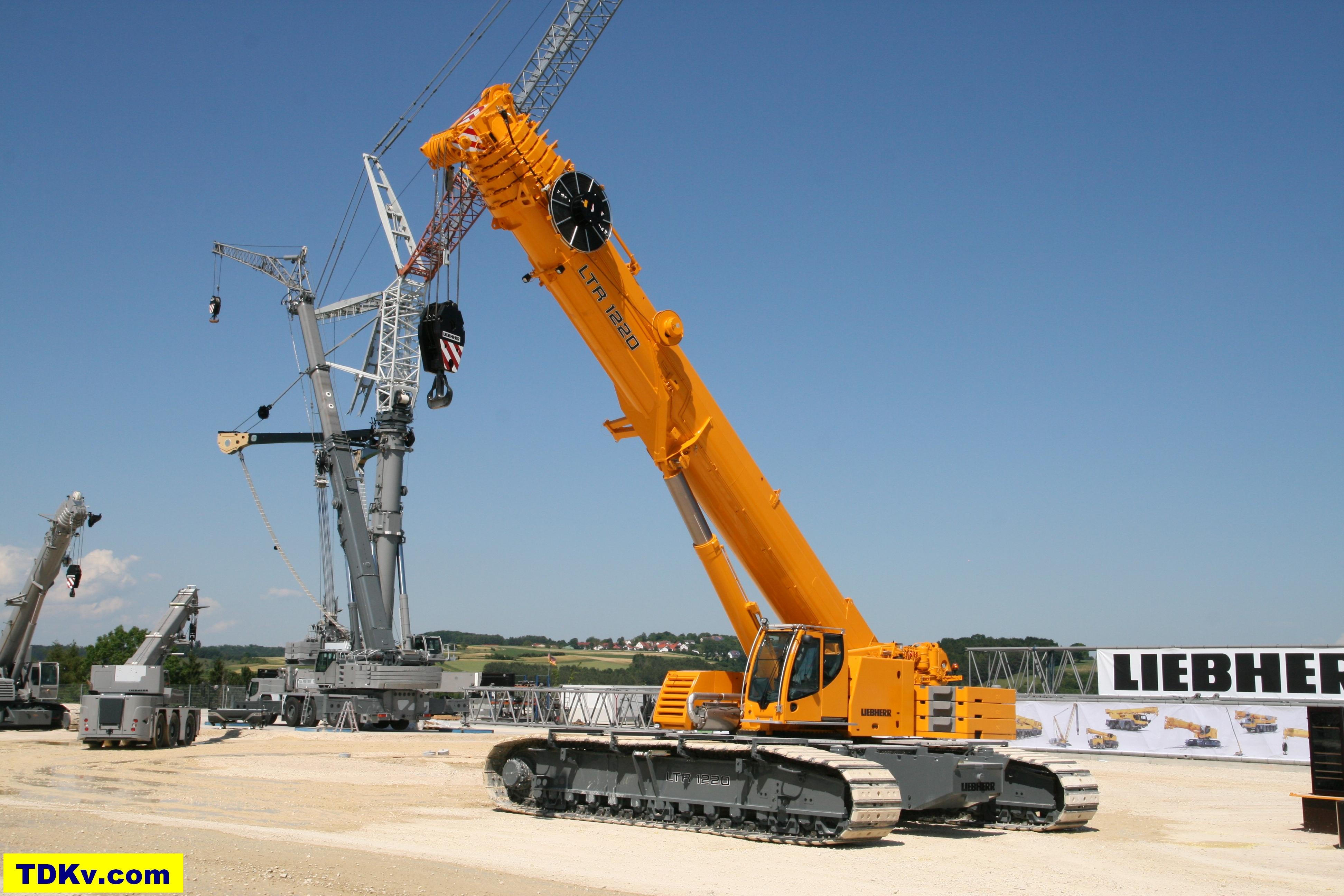 Liebherr LTR 1220 telescopic crawler crane | Equipment Handbooks