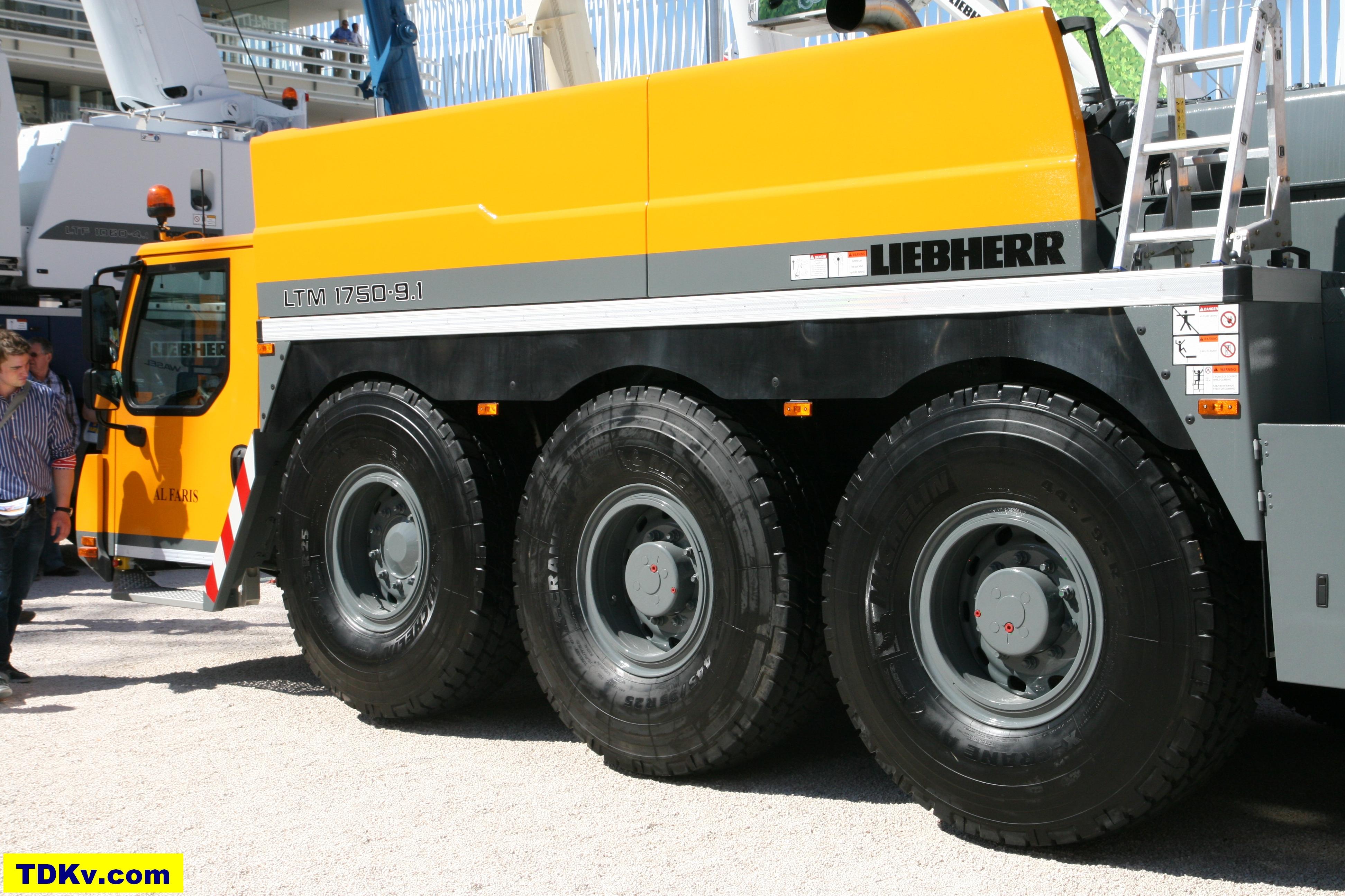 Liebherr LTM 1750-9.1