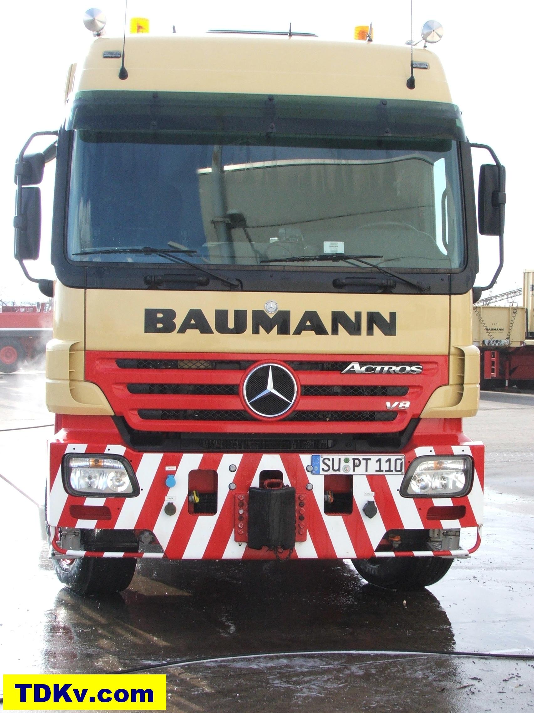 Baumann Actros 3360 prime mover